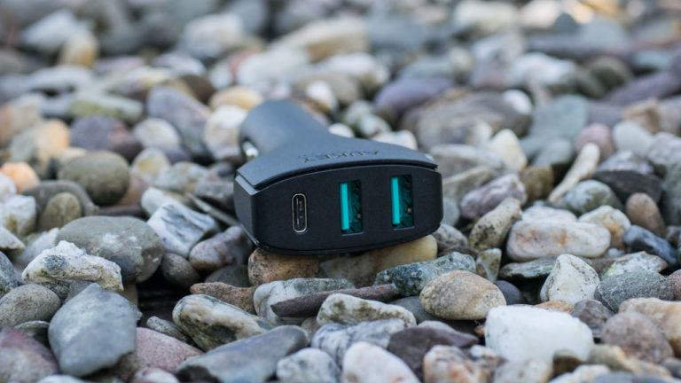 Das AUKEY CC-Y3 KFZ Ladegerät mit USB C und Quick Charge im kurz Check