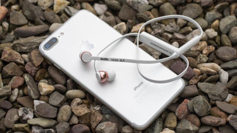 perfekt-geruestet-fuers-iphone-7-die-sudio-vasa-bla-bluetooth-ohrhoerer-im-test-stylisch-und-gut-10