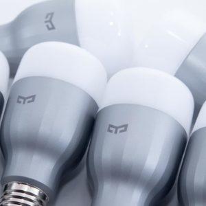 Die günstige Alternative zu Philips HUE, die Xiaomi Yeelight RGB Glühbirne mit WLAN für 15€