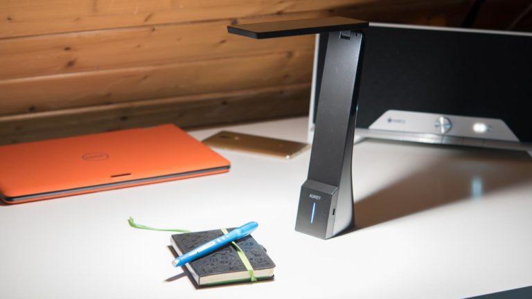 AUKEY 4W Portable Schreibtischlampe mit Akku im Test