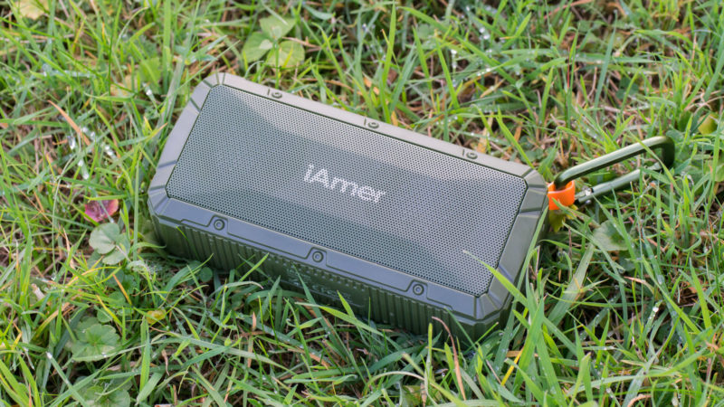 iamer-10w-ipx6-wireless-tragbare-lautsprecher-test-7