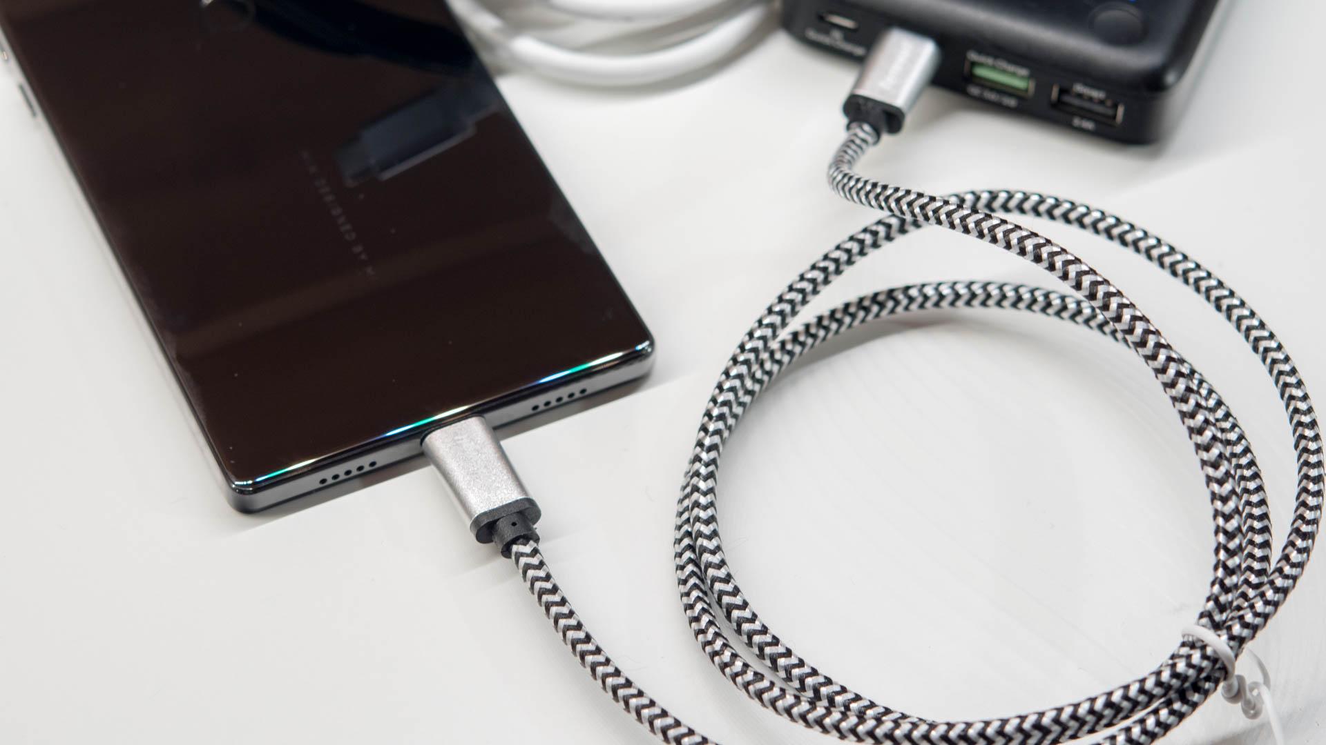 Groß Elektronischer Verteilerdraht Und Kabel Zeitgenössisch ...