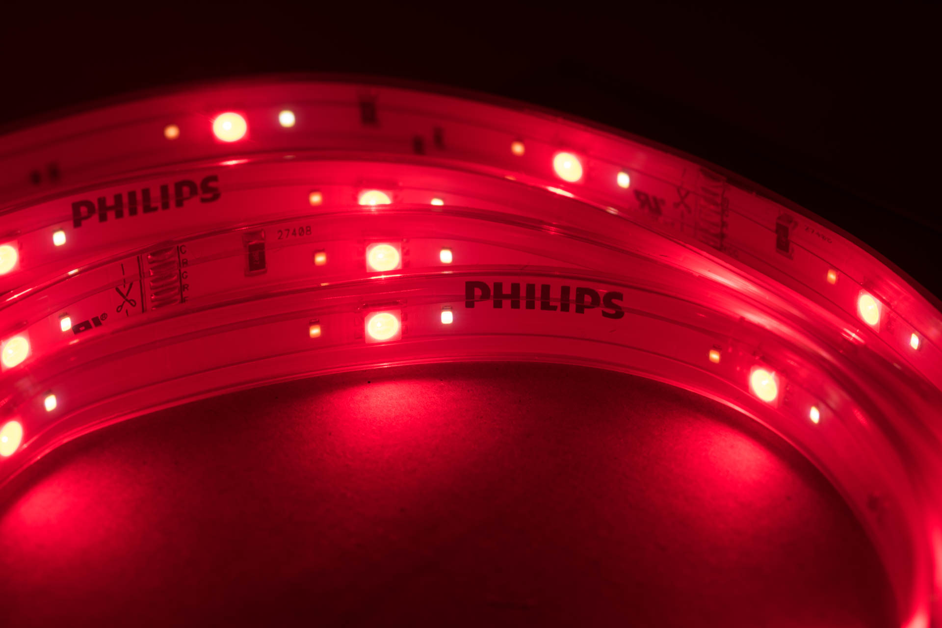 der philips hue lightstrip im test techtest. Black Bedroom Furniture Sets. Home Design Ideas
