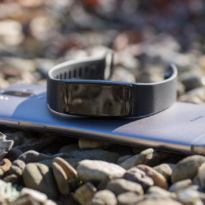 Der Riversong Fitness Tracker mit OLED Display im Test (Schrittzähler, Pulsmesser und Blutdruckmessgerät)