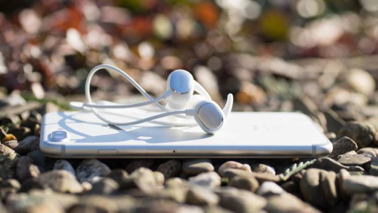 Gute und günstige Bluetooth Ohrhörer aus Asien, die QCY QY19 im Test