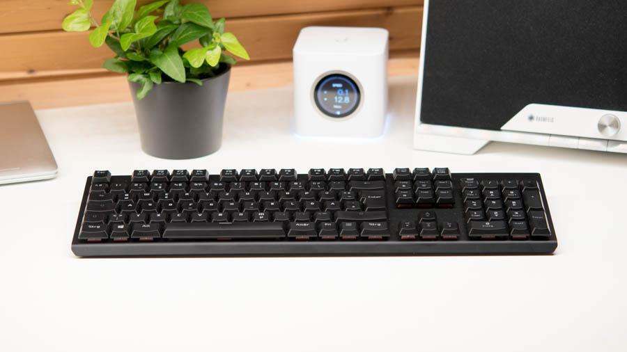 tesoro gram spectrum im test mechanische tastatur mit rgb. Black Bedroom Furniture Sets. Home Design Ideas