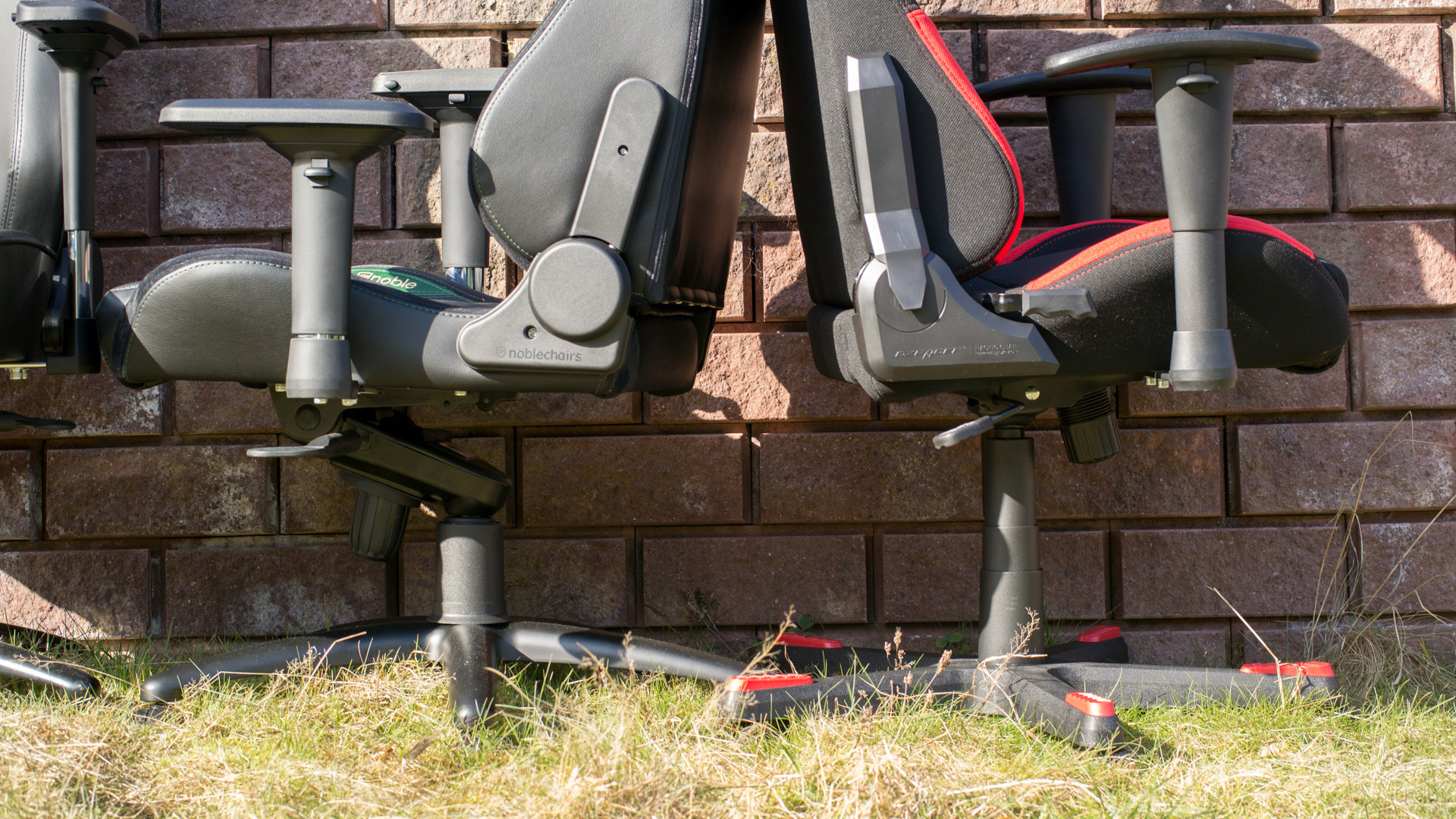 der akracing onyx im test der gaming stuhl f r gro e. Black Bedroom Furniture Sets. Home Design Ideas