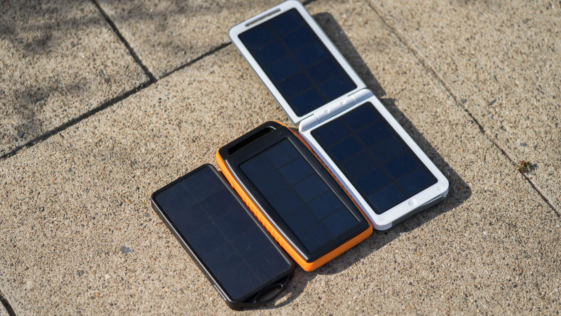 die ravpower rp pb003 15000mah solar powerbank im test. Black Bedroom Furniture Sets. Home Design Ideas