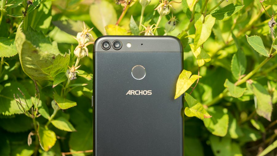 das archos sense 55dc im test g nstiges smartphone mit dual kamera techtest. Black Bedroom Furniture Sets. Home Design Ideas
