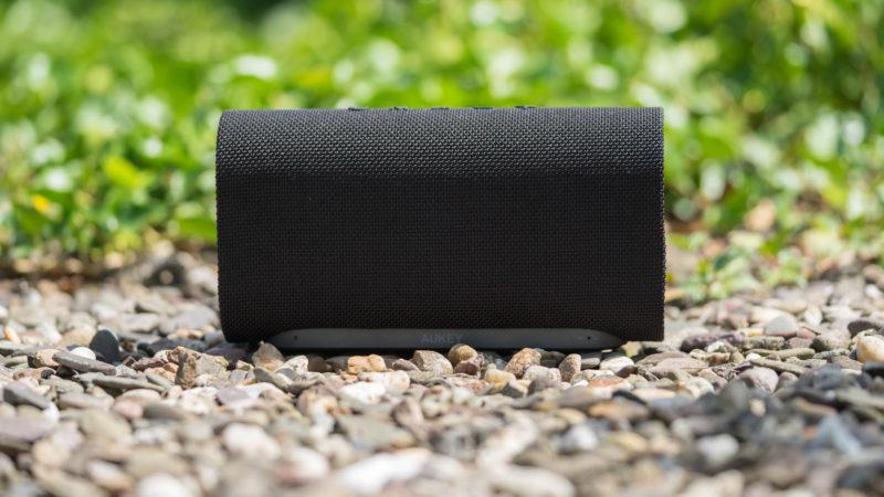 der aukey eclipse sk m30 bluetooth lautsprecher mit 20w im. Black Bedroom Furniture Sets. Home Design Ideas