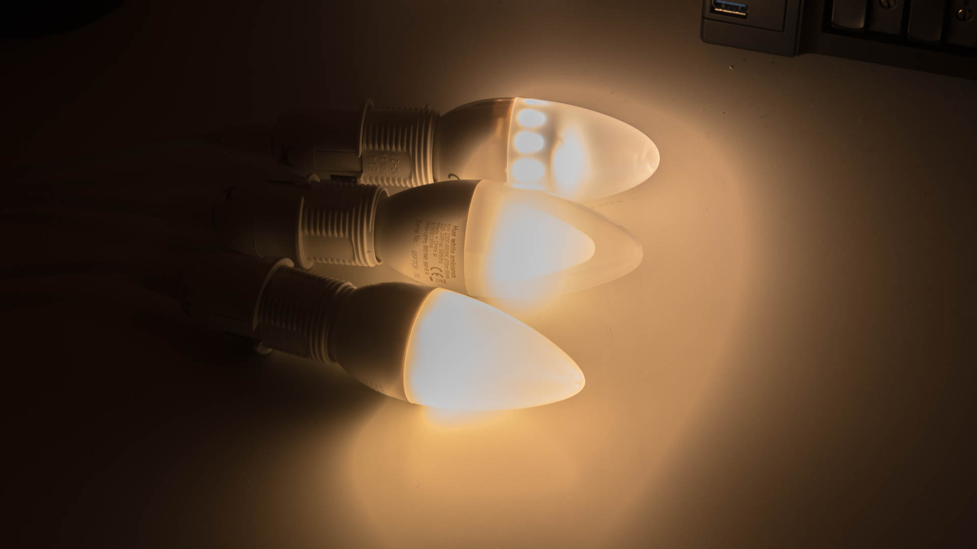 Hue Lampen E14 : Alternative e glühbirnen für das philips hue system im vergleich