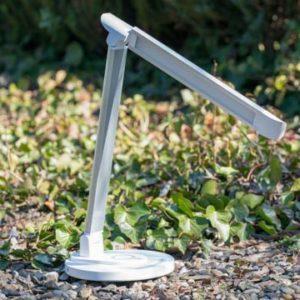 Die TaoTronics TT-DL036 Tischlampe mit kabelloser Ladestation im Test