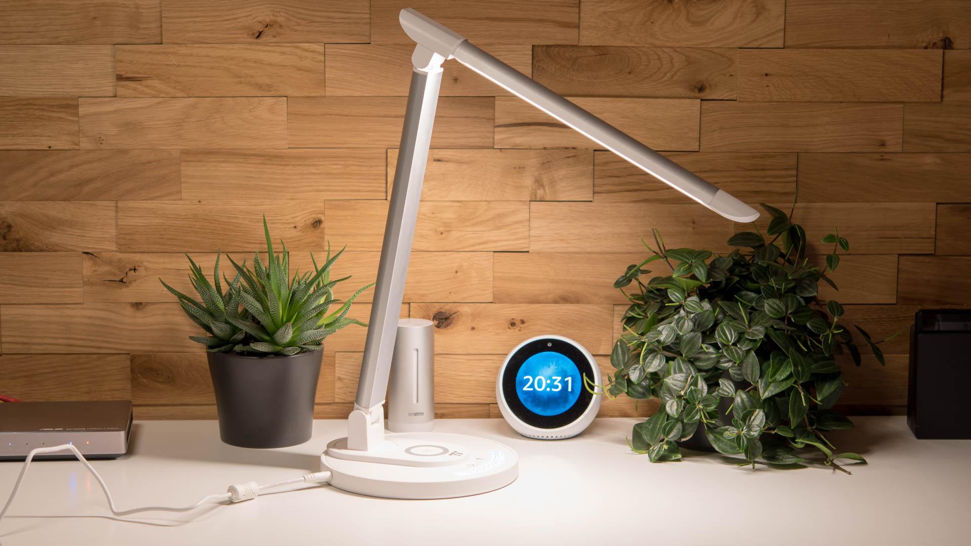 die taotronics tt dl036 tischlampe mit kabelloser ladestation im test techtest. Black Bedroom Furniture Sets. Home Design Ideas