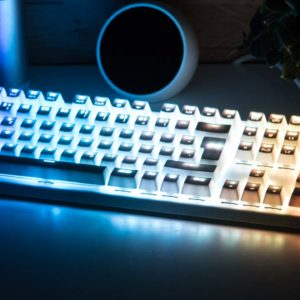 Die Tesoro GRAM SE Spectrum im Test, die hellste und schönste RGB Tastatur!