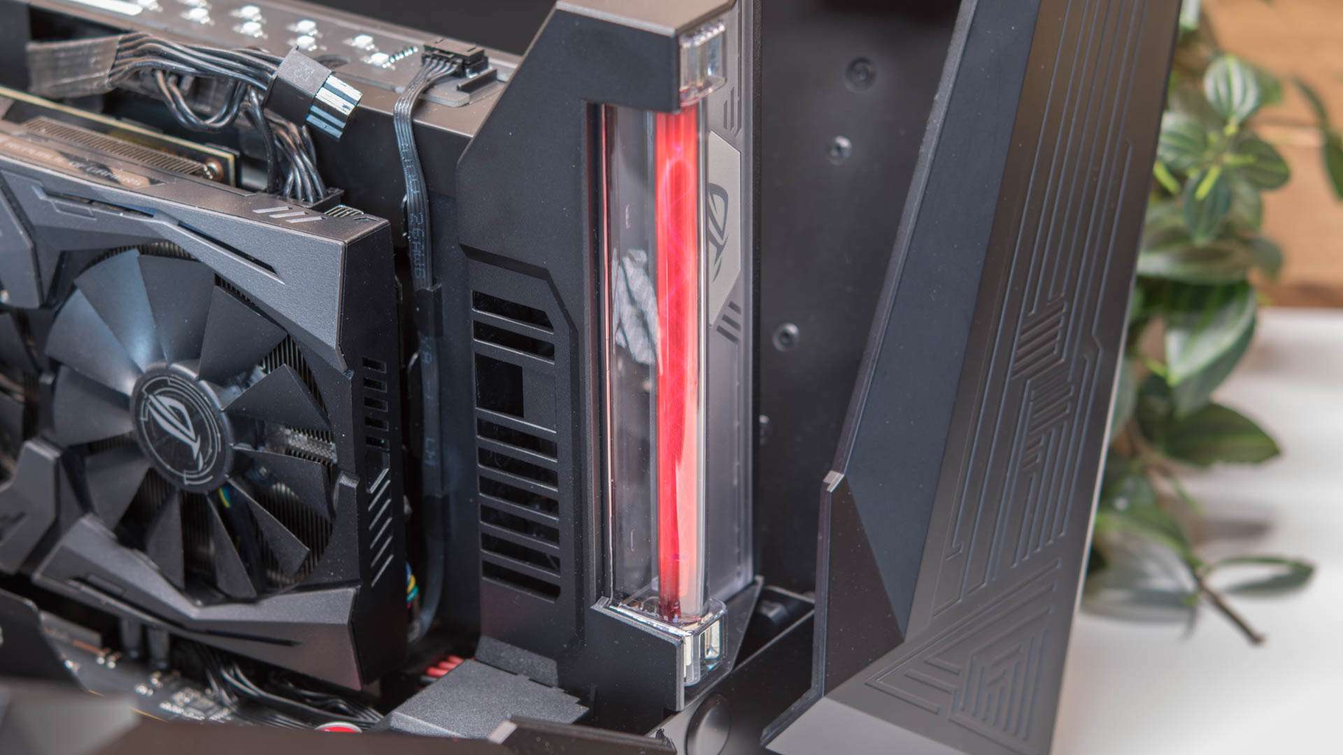 Die ASUS ROG XG Station 2 im Test, externe Gaming Power ...