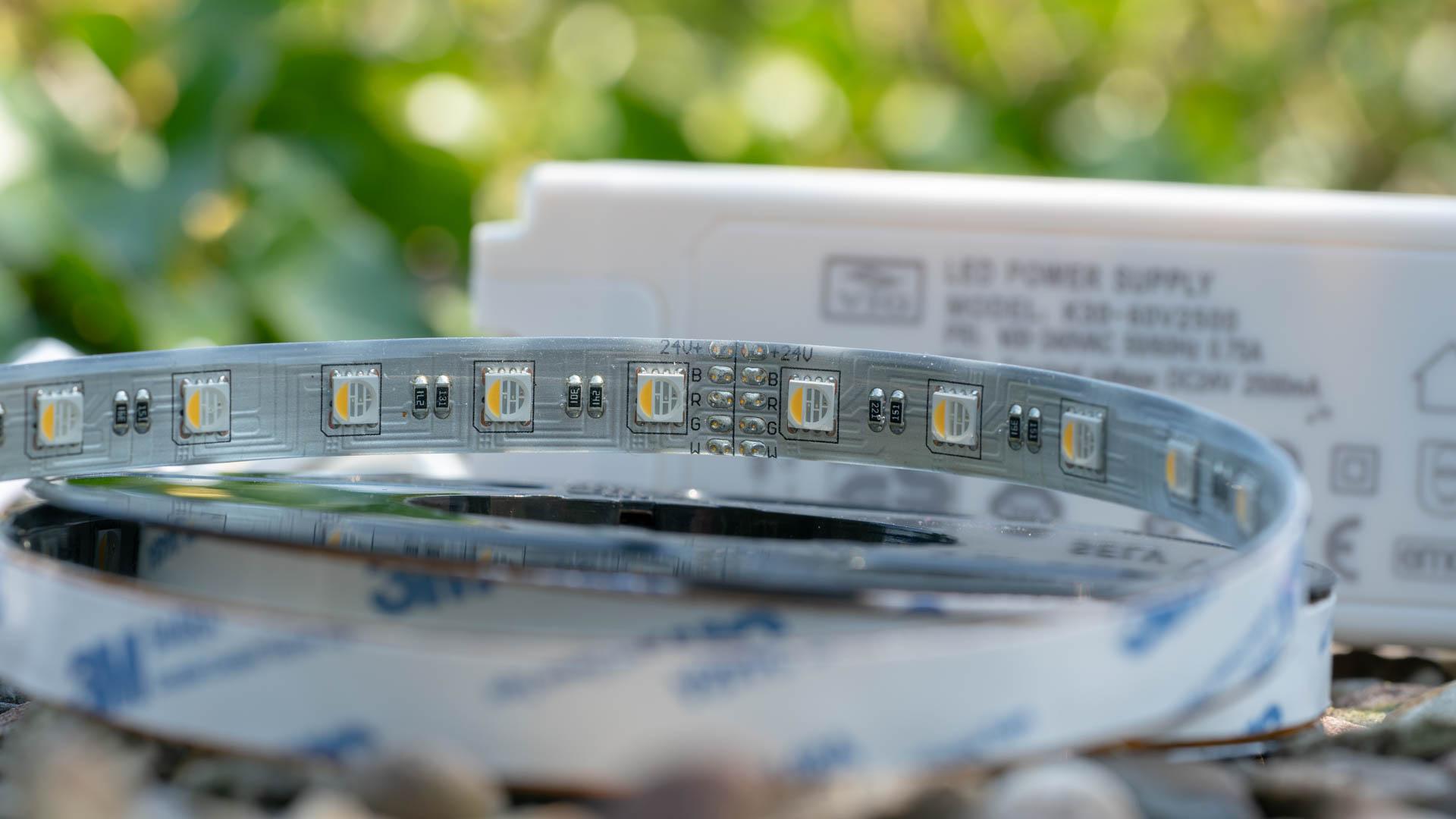 led lichtband auen interesting led streifen einfarbig. Black Bedroom Furniture Sets. Home Design Ideas