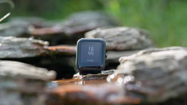 die xiaomi amazfit bip watch smartwatch im test techtest. Black Bedroom Furniture Sets. Home Design Ideas