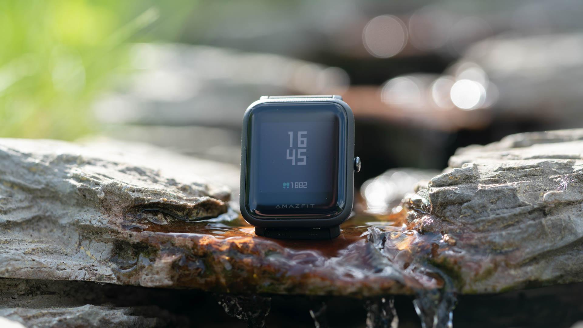 Die Xiaomi Amazfit Bip Watch Smartwatch Im Test Techtest Huami Ist Fr Rund 60 80 Handel Erhltlich Und Soll Eine Akkulaufzeit Von Bis Zu 45 Tagen Bieten Integriertes Gps
