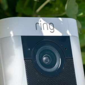 Die Ring Spotlight Cam Battery im Test, die bessere alternative zur Netgear Arlo?