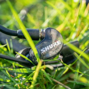 Die Shure SE215-BT1 Bluetooth Ohrhörer im Test