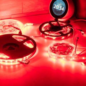 Vier günstige RGB LED Streifen im Vergleich. Gibt es nennenswerte qualitative Unterschiede?