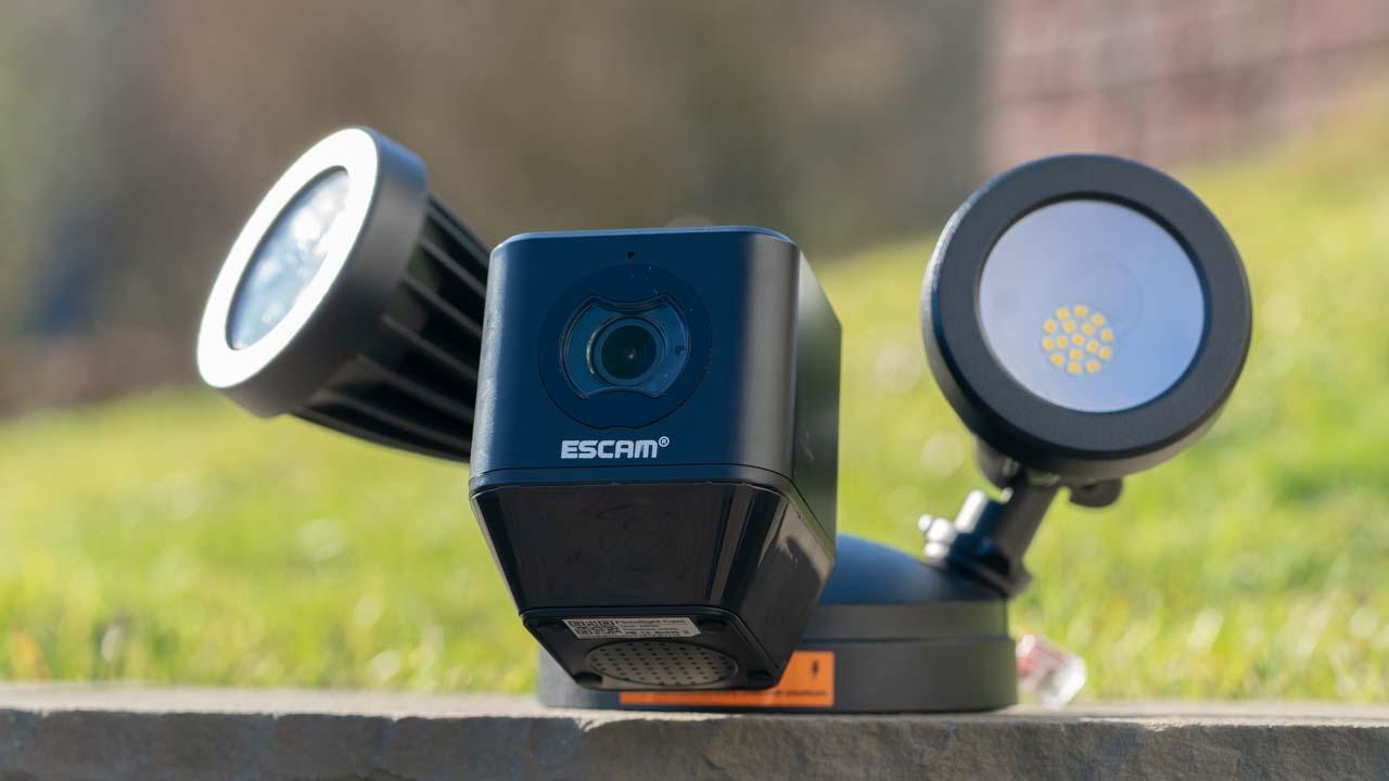 die escam floodlight camera im test die g nstige alternative zur netatmo presence techtest. Black Bedroom Furniture Sets. Home Design Ideas