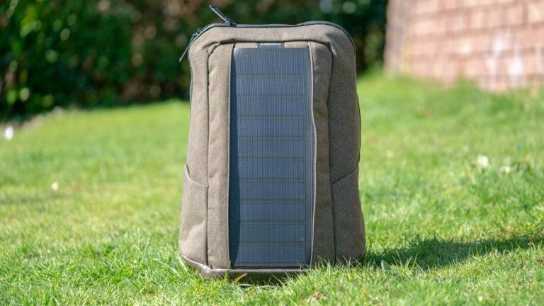 Ist ein Rucksack mit Solarpanel eine gute Idee? Der SUNNYBAG Iconic im Test!