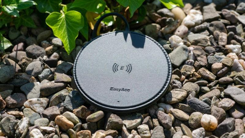 Der Easyacc Wireless Charger 10w Aus Handgearbeiteten Pu Leder Test 7