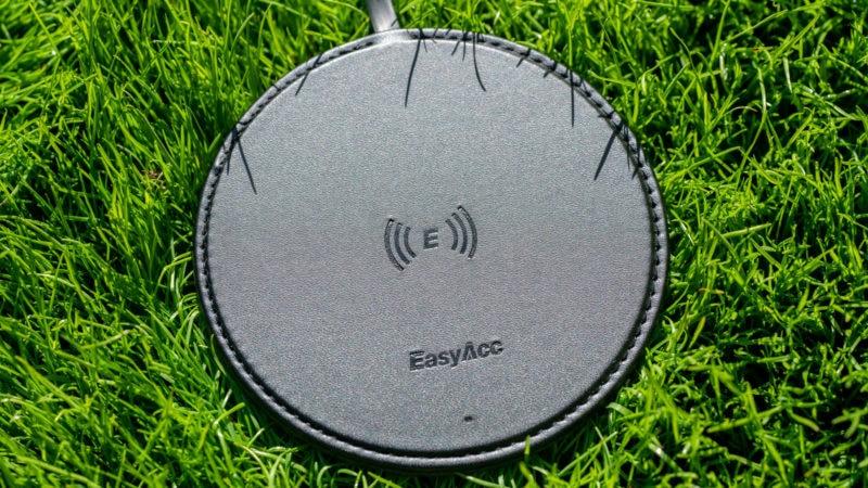 Der Easyacc Wireless Charger 10w Aus Handgearbeiteten Pu Leder Test 9