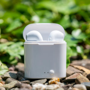 True Wireless Ohrhörer für unter 5€?! Die I7s TWS im Test (leider Schrott)