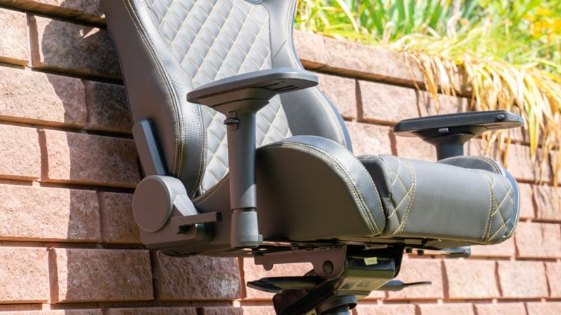 Tesoro Zone X Gaming Chair Im Test 13