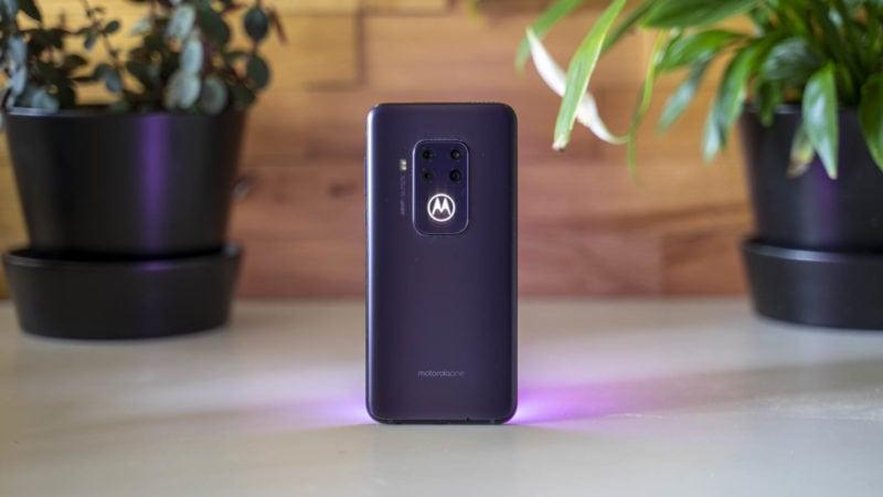 Test Motorola One Zoom 11