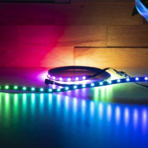Tipp günstige Addressable RGB LED Streifen für ASUS AURA Sync, MSI Mystic Light, RGB Fusion, Corsair ICUE (unter 10€)