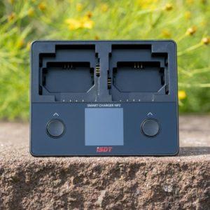 Das beste Sony Akku Ladegerät für FW50, FZ100 und BX1 Akkus! Das iSDT NP2 im Test (2x Schächte und Info Display)