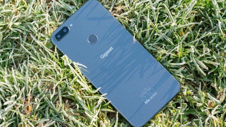 Senioren-Smartphone mit WhatsApp und Co., aber dennoch einfach? Das Gigaset GS195LS im Test