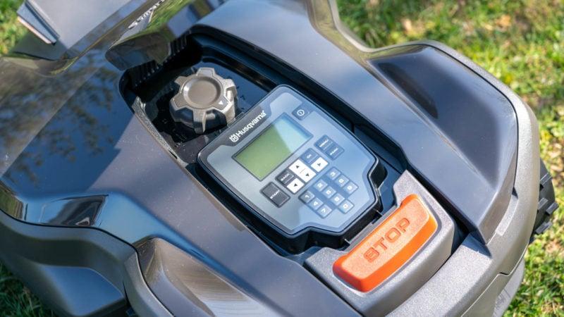Husqvarna Automower 305 (2020) Test Review 5