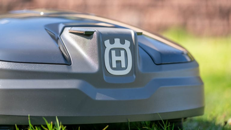 Husqvarna Automower 305 (2020) im Test, ist der günstigste Mähroboter von Husqvarna auch gut? (ja)