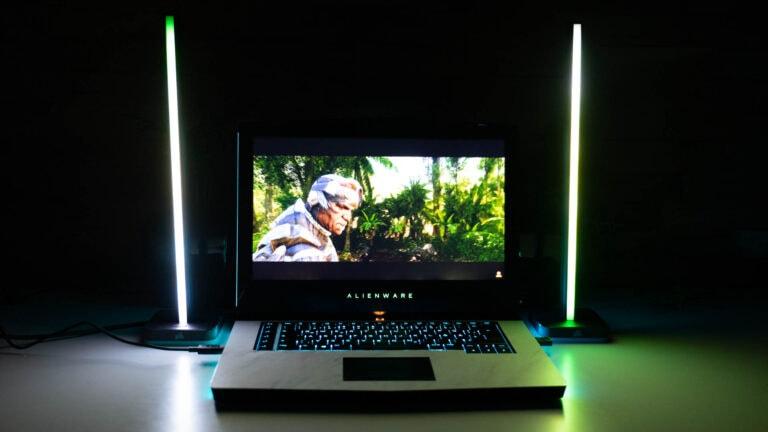Ambilight für den PC, Corsair iCUE LT100 Smart Lighting Towers Starter Kit im Test