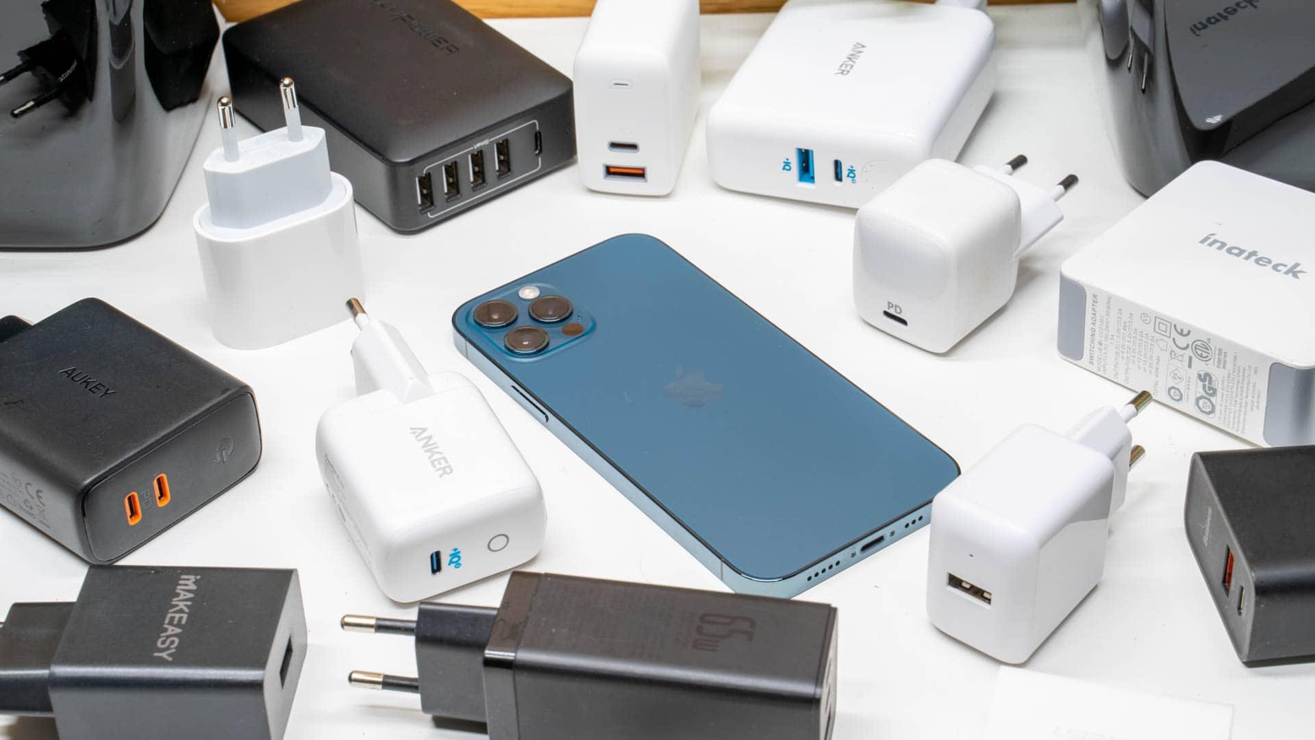 Wie schnell lädt das neue iPhone 12 Pro und welche Ladestandards werden unterstützt?