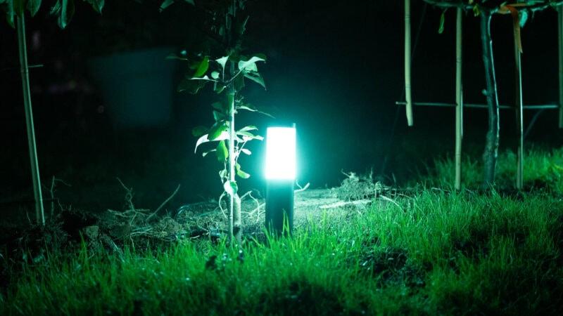 Innr Smart Outdoor Pedestal Light Colour Im Test 13