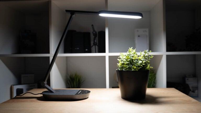 Eine Schreibtischlampe mit hochwertigen LEDs und wenig Flackern fürs Home Office? Die TaoTronics TT-DL056 im Test