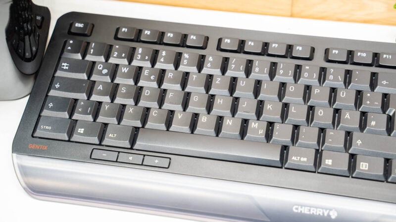 Cherry Gentix Desktop Test 14