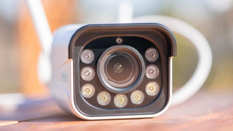 2K, Smart Detection, farbige Nachtsicht und Zoom für 150€? Die ReoLink RLC-511WA im Test
