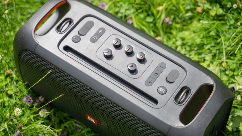 jbl partybox on the go test review 14