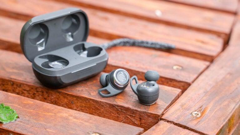 Test: JBL REFLECT FLOW Pro, große Ohrhörer mit starkem ANC